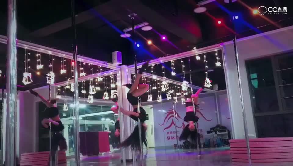 安姝娅跳舞